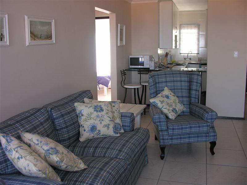 stafford close blue uvongo accommodation. Black Bedroom Furniture Sets. Home Design Ideas