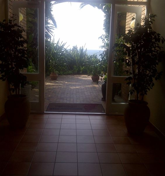 223 Brooks Hills Suites In Summerstrand
