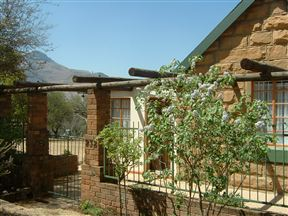 See-View House and Cottage Photo