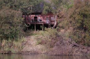 Fish Eagle Log Cabin