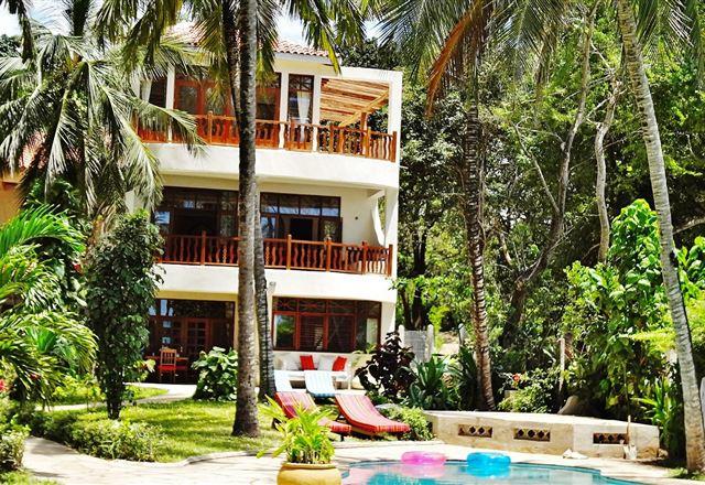 Tamani @ Galu Beach Sea Lodge