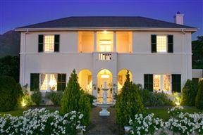 La Fontaine Guest House image3