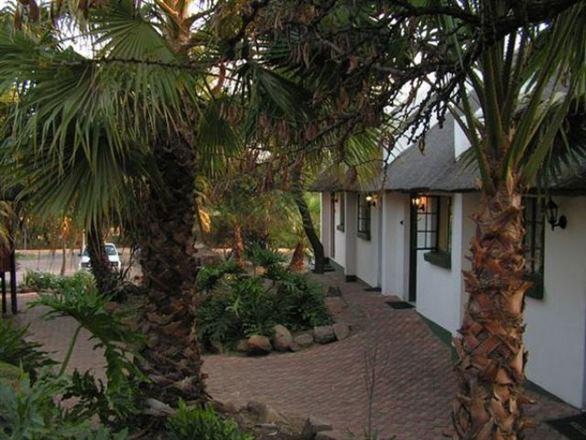 Sundowner Lodge
