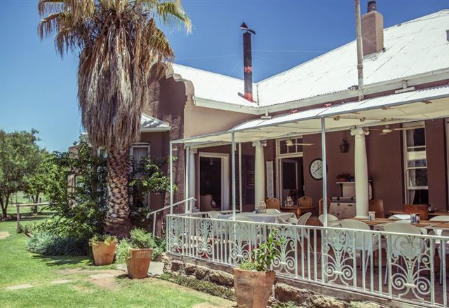 Nick's Place - Guest House and Restaurant