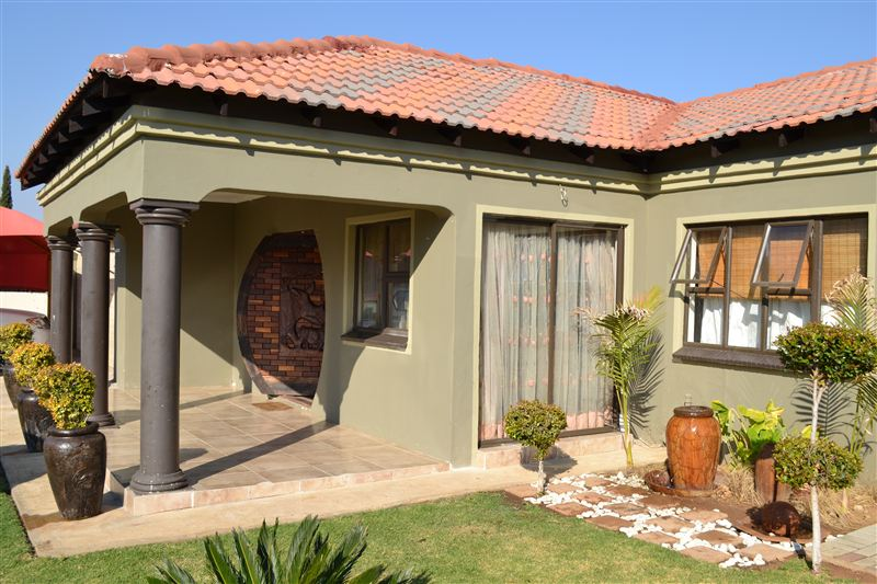 Sharodin Bed And Breakfast Mogwase Your Cape Town