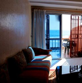 Surf N Stay Charming Beachfront Apartment