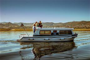 Knysna Houseboats Photo