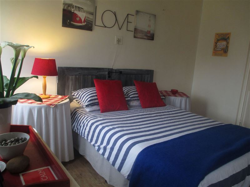 Lighthouse Farm Lodge Amp Backpackers Cape Town Your Cape