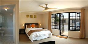 Palm Beach Guesthouse Photo