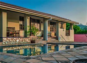 Chez Vincent Guest House & Restaurant Photo