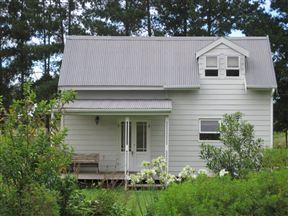 A Dam Fine Cottage