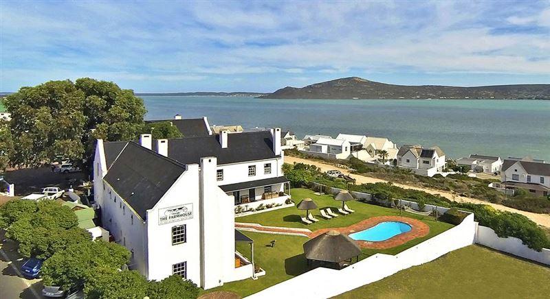 The farmhouse hotel langebaan accommodation for Coastal cape farmhouse