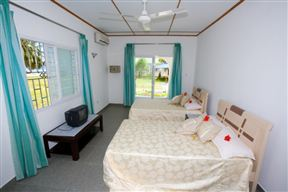Hide Away Holiday Apartments