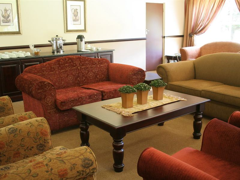 Lakeview Airport Lodge In Kempton Park Airportstay Co Za