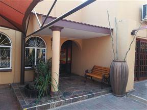 Safari Guesthouse/Gastehuis