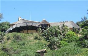 Ylang Beach Lodge