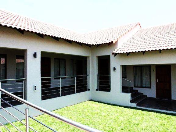 Usambara Lodge In Muldersdrift Airportstay Co Za