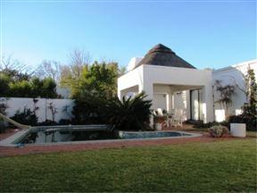 Bettie's Luxury Lodge