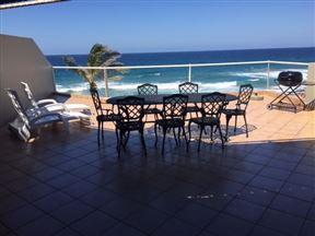 Dolphin Bay Beach Apartment Photo