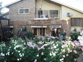 Villa de la Rosa Guest House Bloemhof