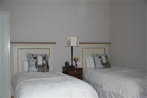 2Sisters Bed & Breakfast