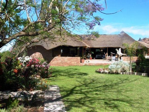Kokerboom Lodge
