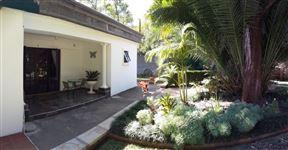 Motsamai Guest Lodge