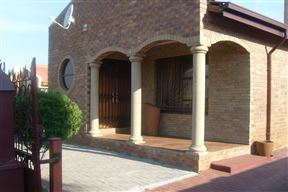 Thoriso Bed and Breakfast Photo