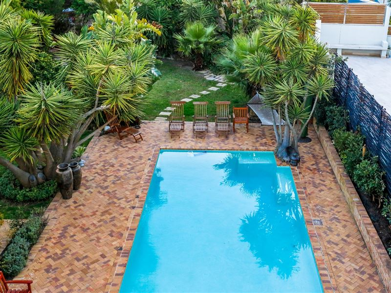 Secret garden guesthouse for Secret garden pool novaliches