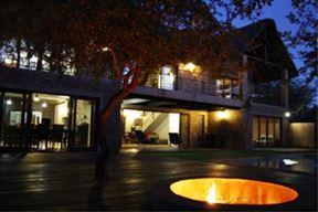 Kierieklapper River House