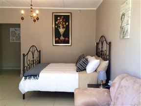 Omnabella Guest House