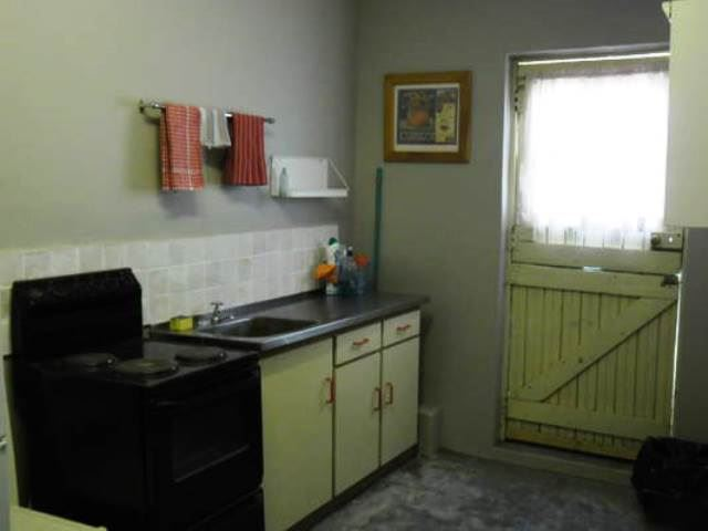 Holhoed overnight accommodation affordable weekend getaway for Affordable kitchens gauteng