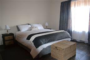 Tshepe Overnight Photo
