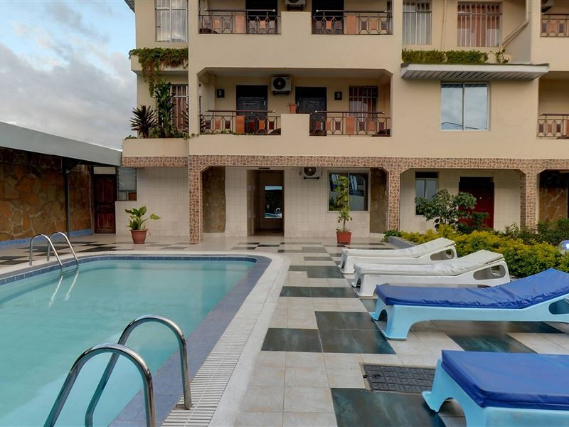 Royal city hotel in kisumu for Hotels in kisumu with swimming pools