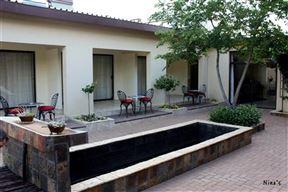 Bloomingdales Guesthouse