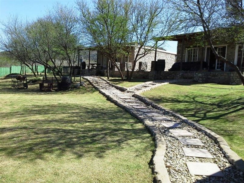 Bush camp stone cottages and venue van wyksdorp for Camp stone