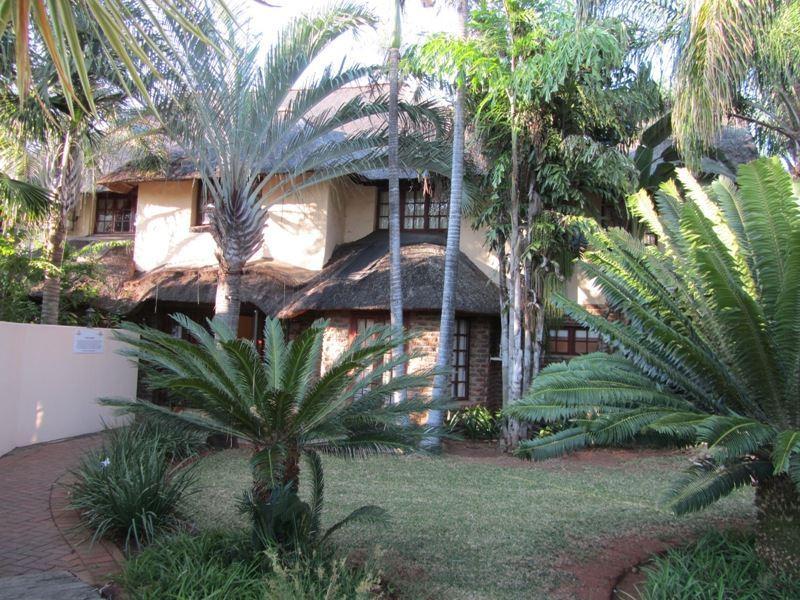 Villa Palmeira Guesthouse
