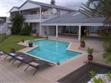 eMpoza Sea View Guest House