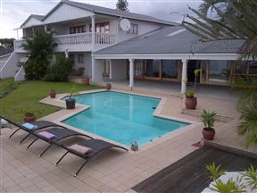 eMpoza Sea View Guest House Photo