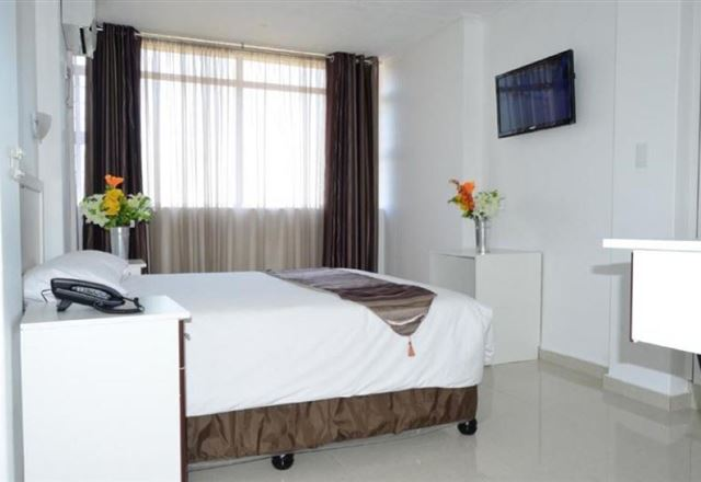 Royal Ushaka Hotel