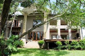 Villa Rostrata on Lake Photo