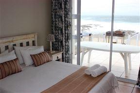 Beachfront Holiday Cottage - SPID:1802860