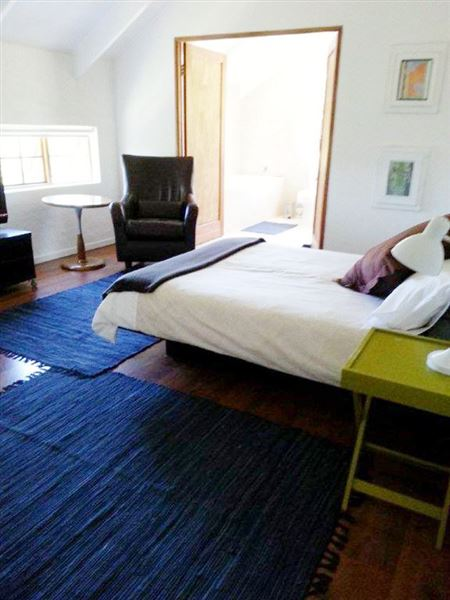 cocoon s rest accommodation in knysna weekend getaways cape town. Black Bedroom Furniture Sets. Home Design Ideas