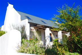 Stay At Emily In Paternoster Photo