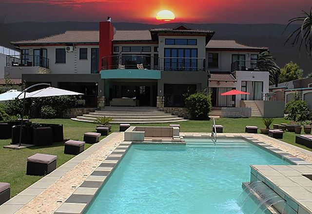 Africa Paradise - Airport Guest Lodge and Travel Centre