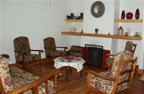 Cullinan Lakeview Cottage