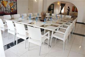 Kalahari Inn
