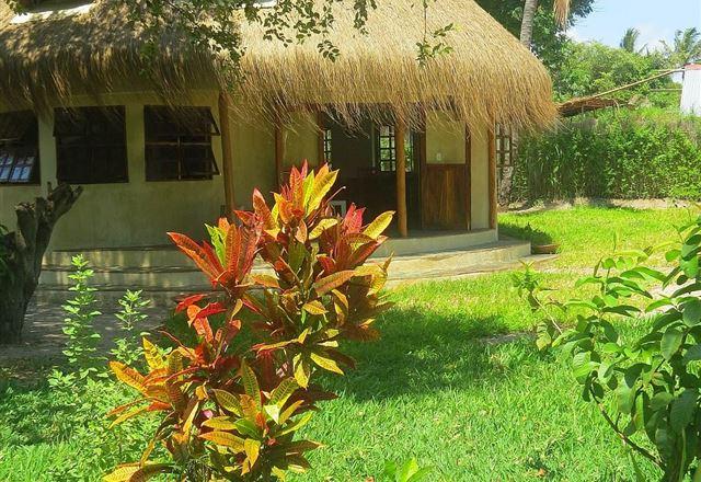 Vilanculos Accommodation-Casa Babi - Tucul