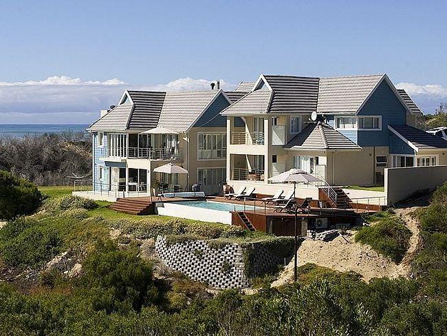Photo Gallery For Moya Manzi Beach House View Previous Click To Next