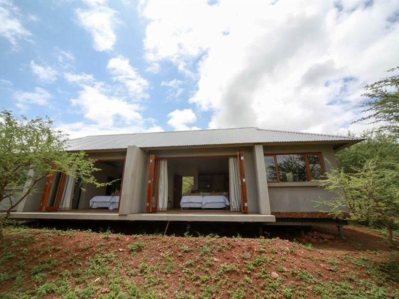 Royal Jozini Bushwillow Lodge